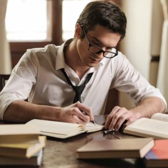 Letras – Língua Portuguesa: da graduação ao mercado de trabalho