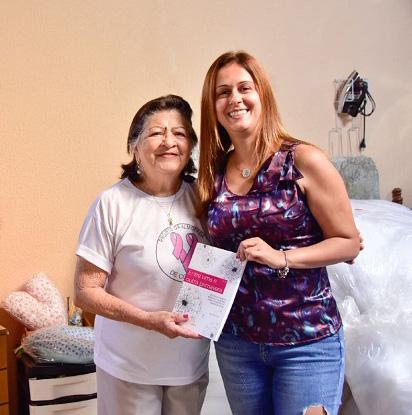 Venda de livro da Leya / Alumnus é revertida para a produção de almofadas para ajudar a recuperação de pacientes com câncer de mama