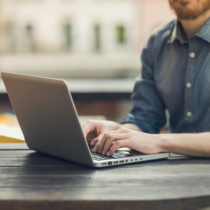 Descubra como funciona o trabalho voluntário online