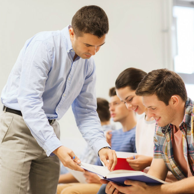 Quer ser professor? Saiba como é um dia na vida desse profissional