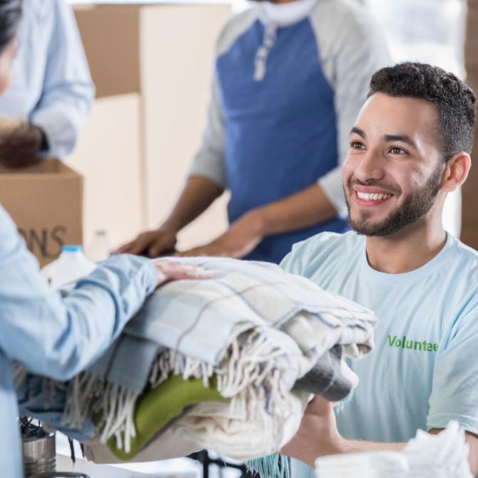 Entenda a relação entre trabalho voluntário e carreira profissional