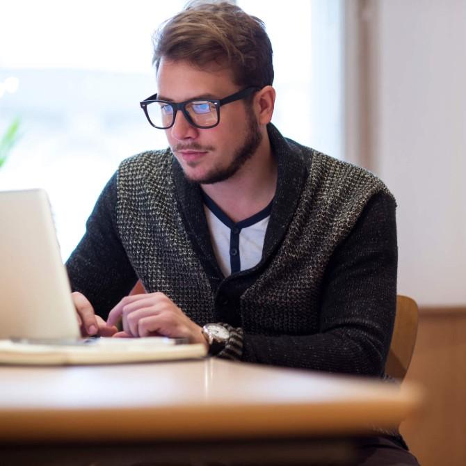 Saiba como uma pós-graduação pode acelerar a sua mudança de carreira!